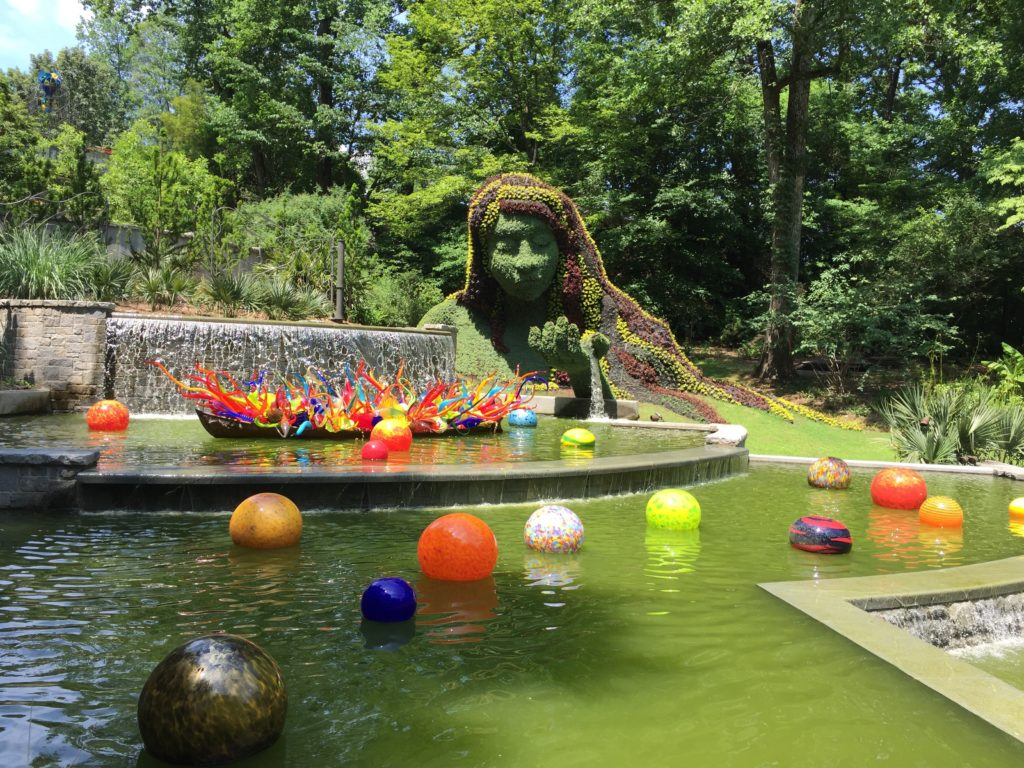 Fiori Boat and Niijima Floats, 2016 - Dale Chihuly - Atlanta Botanical Gardens Installation No. 8 & Earth Goddess - Imaginary Worlds